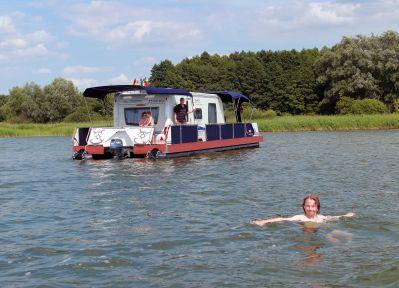 100128_watercamper_01.jpg